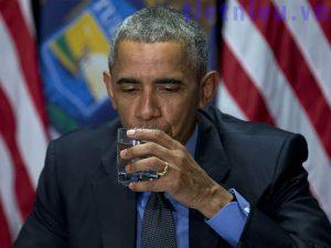 uống nhiều nước giúp ngăn ngừa sỏi thận
